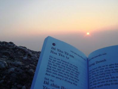 Thơ Nguyễn Trãi đọc lúc ban mai tại non thiêng Yên Tử
